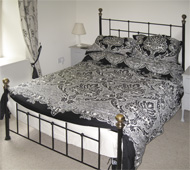 Melbourne Cottage, double bedroom